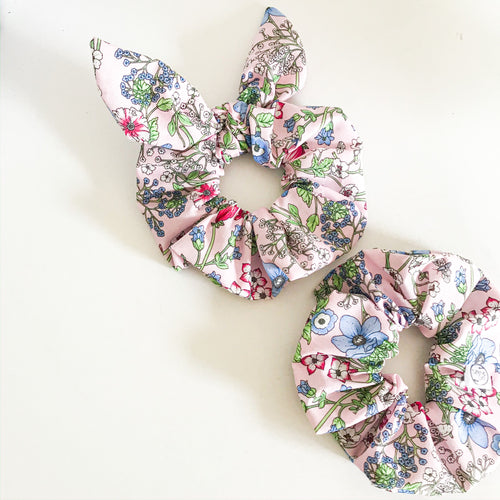 Country Garden Scrunchie