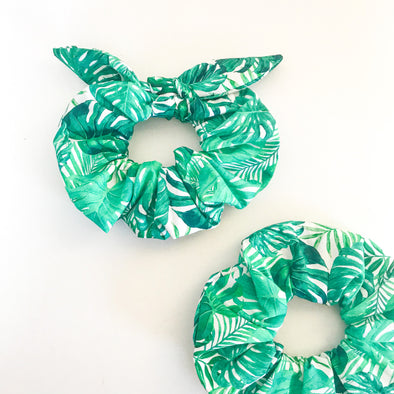 Monstera Leaf Scrunchie
