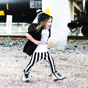 black-and-white-stripe-pants-outfit
