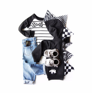 Black-White-Unisex-flat-lay-kid-s-fashion