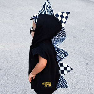 little-boy-glasses-sleeveless-spike-hoodie-black-and-white