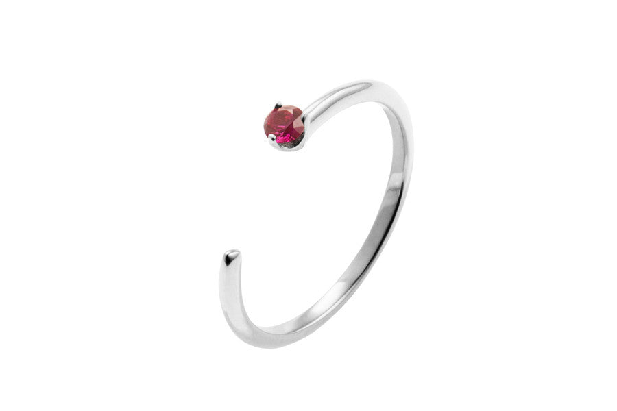 Irma Solitaire Petite Ring Ruby - Charlotte Bonde