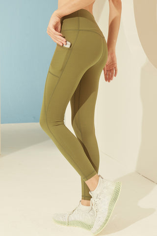 Gaia Legging in Forest Green
