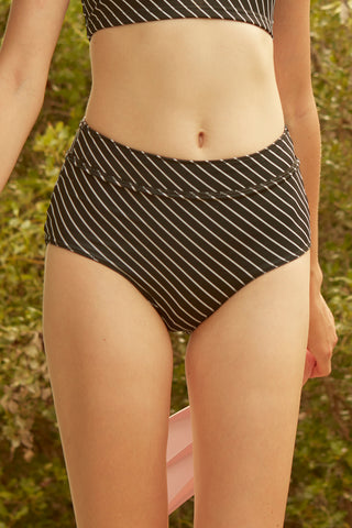 Tessa Reversible Swim Short in Black