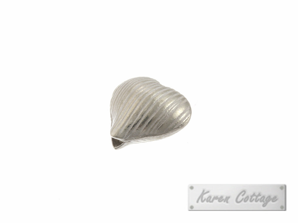 Karen Hill Tribe Silver Line Engraved Hear Bead : B31-010