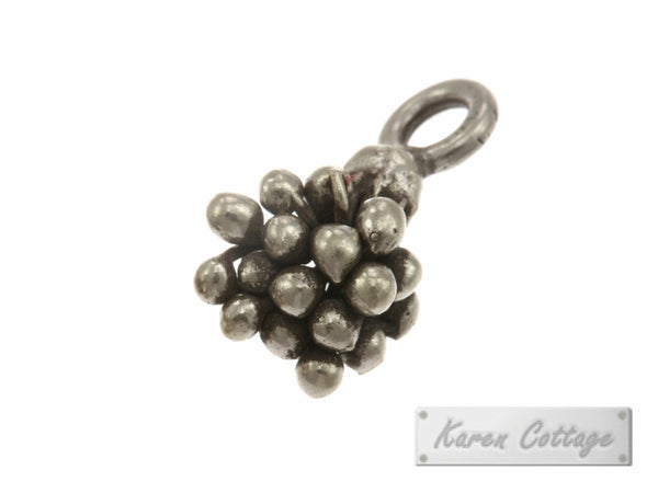 Karen Hill Tribe Silver Young Pistil Charm : C11-089