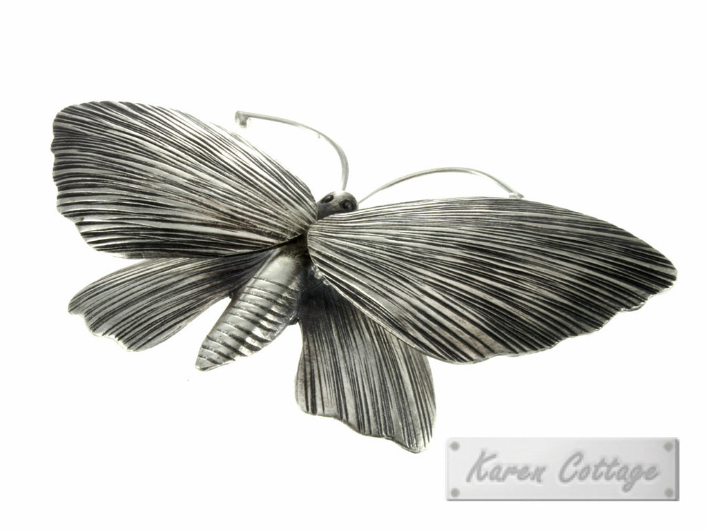 Karen Hill Tribe Silver Night butterfly ( moth ) Pendant : D20-012