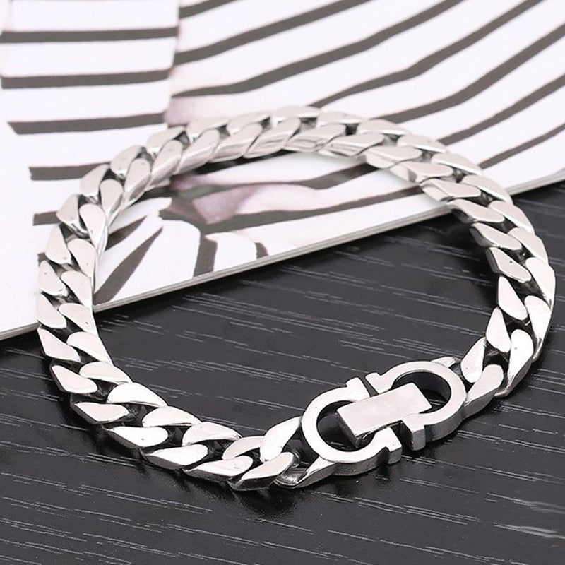 2020 new S925 pure silver Korean version of Thai silver men and women alphabet bracelets fashionable wild simple men bracelets