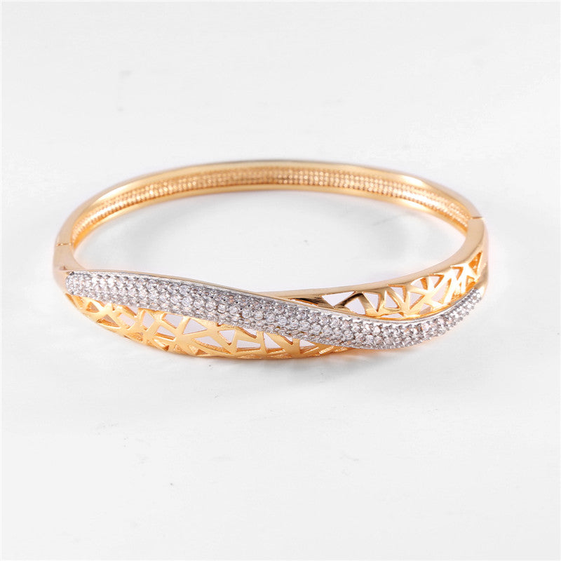 BUDONG Fashion Twist Hollow Huggie Bangle for Women Silver/Gold Color nfinity Pulsera Crystal Zirconia Wedding Jewelry Z017