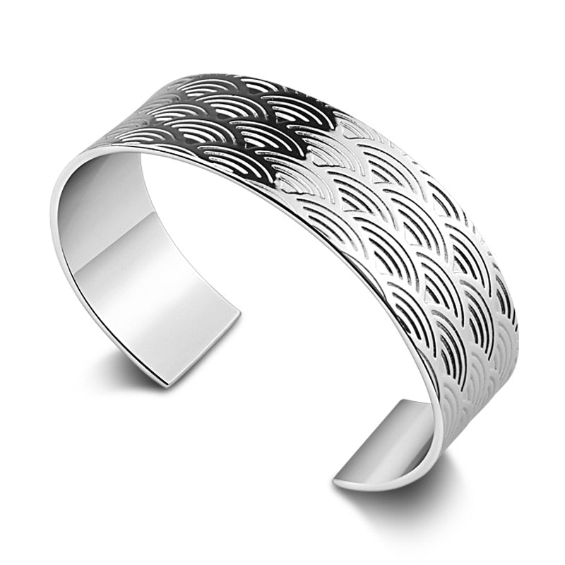 Fashion and personality sculpture scales design bracelet.Women 19 mm wide solid 925 silver bracelet.Sterling silver lady jewelry