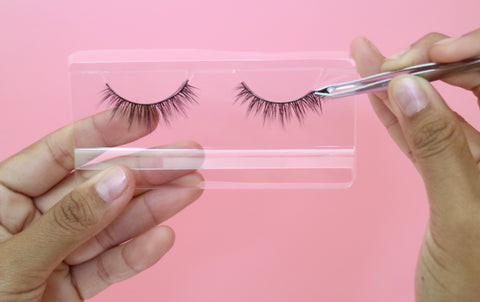 how to apply false lashes, how to apply false eyelashes, how to remove false eyelashes, how to glue on false lashes,