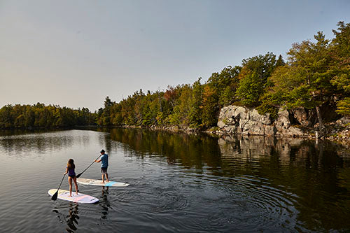 Cruiser SUP Classic  paddleboarding couple on water