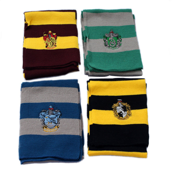 The famous, great and high quality scarves: Gryffindor, Hufflepuff, Slytherin, Knit