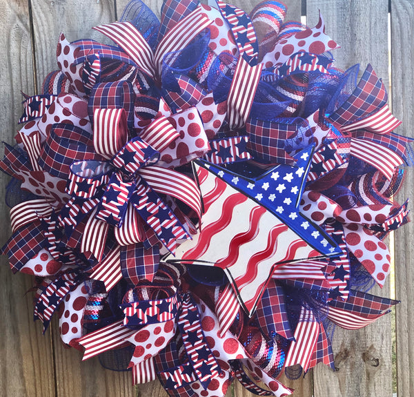 Patriotic Star Wreath, July 4th Wreath Decor, Door Hanger, Farmhouse Decor