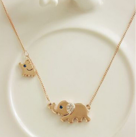 Elephant Family Stroll Design Fashion Necklace - Bullseye Discounts