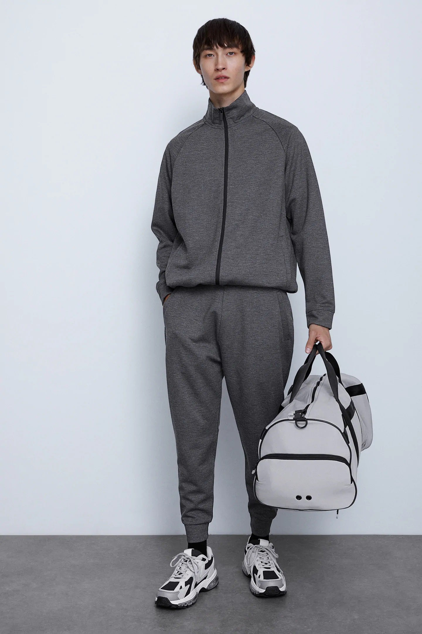 TECHNICAL FABRIC ANTHRACITE TRACKSUIT