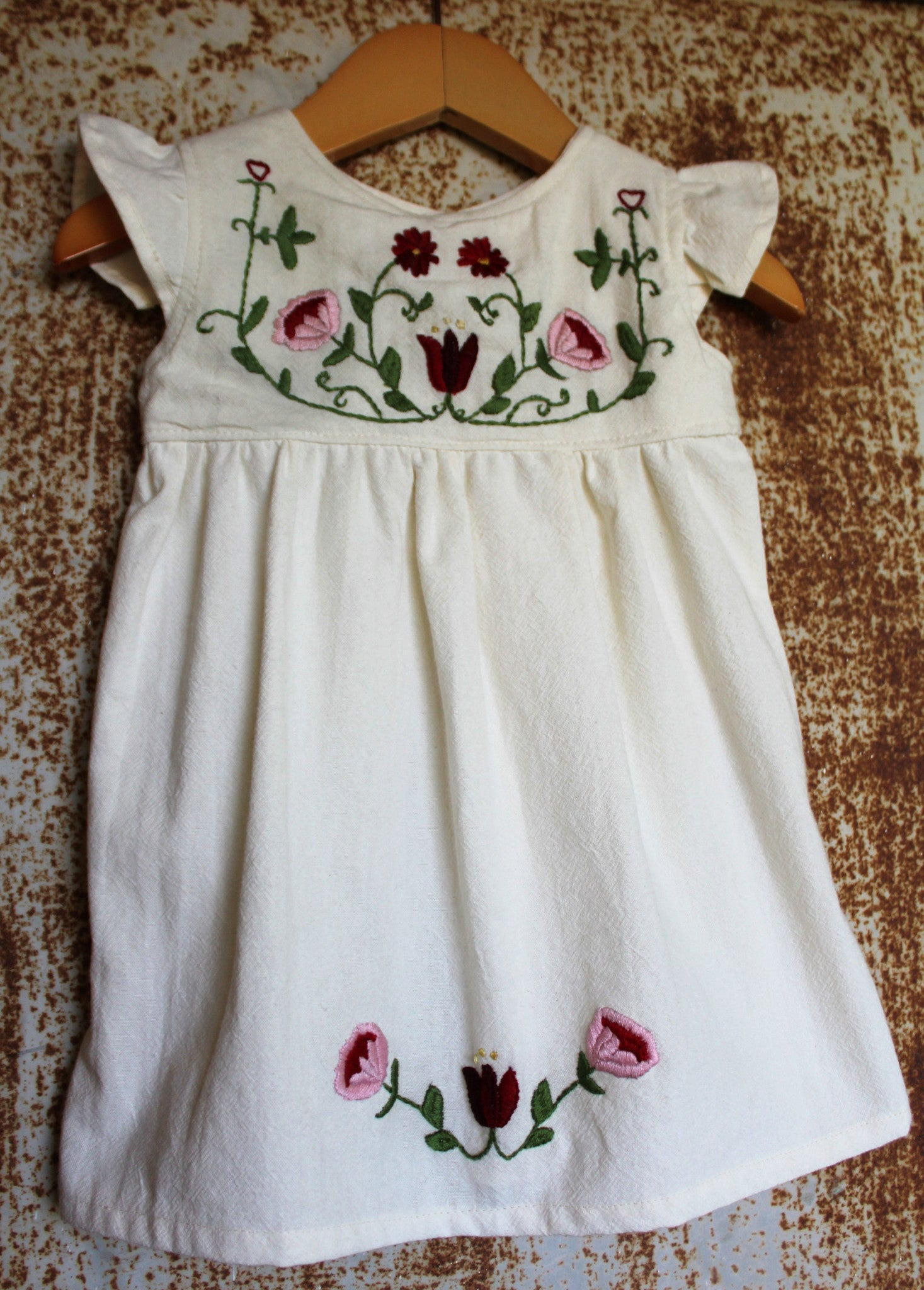 Traditional Oaxacan Tunic - Floral Detail - Unbleached Local Cotton - Past Traditional