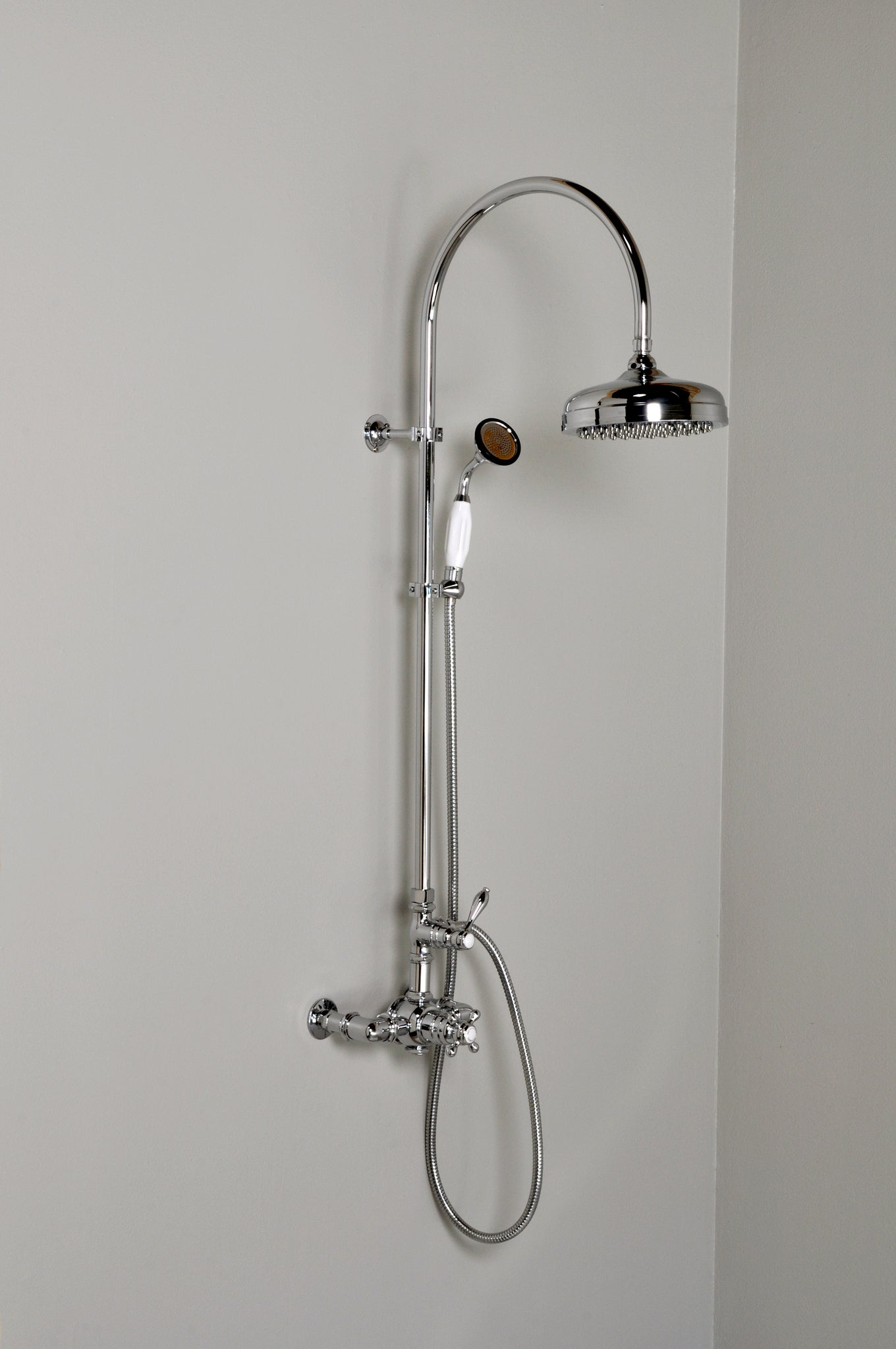 CALGreen Exposed Thermostatic Shower Set with Gooseneck Riser
