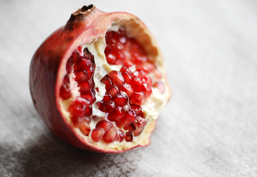 pomegranate seeds top 10 autumn fall superfoods fruits and vegetables