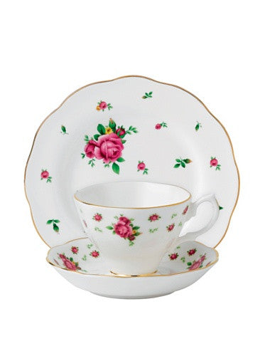 Royal Albert NEW COUNTRY ROSES WHITE 3-PIECE SET (TEACUP, SAUCER & PLATE)