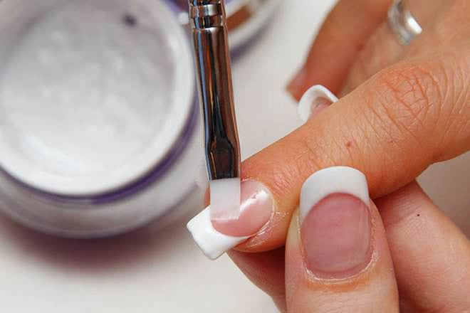 Artificial Nails & Fungus: Safety, Treatment, and Tips