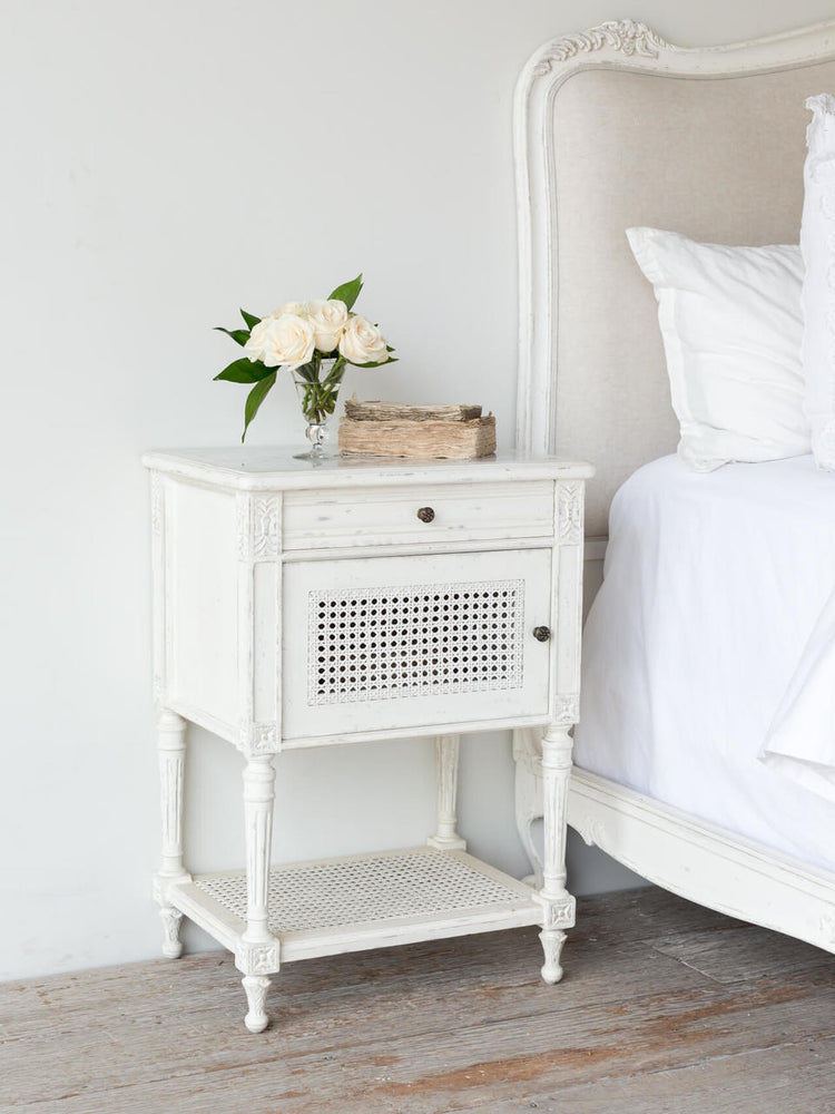 Giverny Nightstand Ant White 22x16x32h