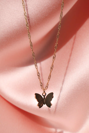 gorgeous butterfly necklace
