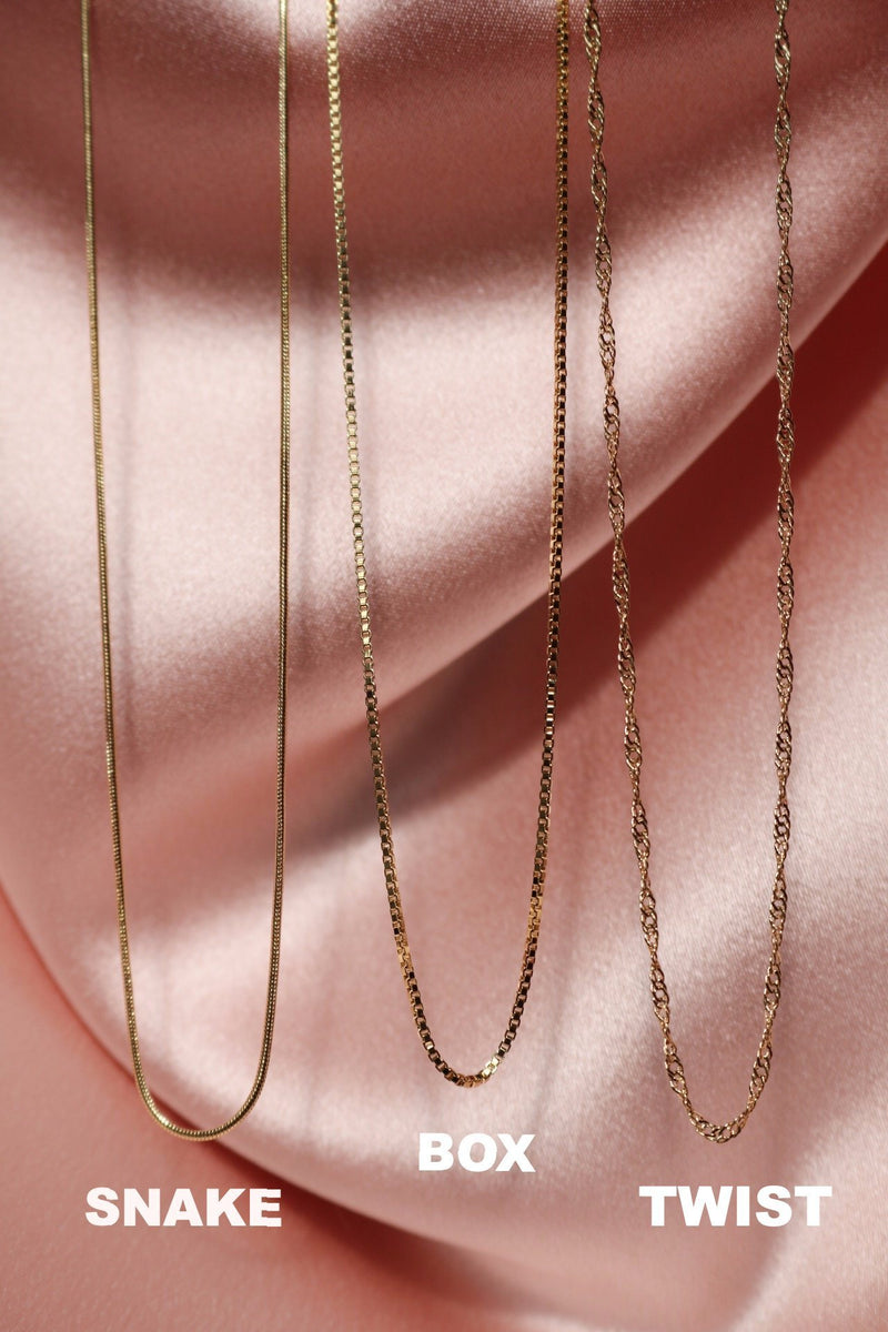 Minimalist gold chains