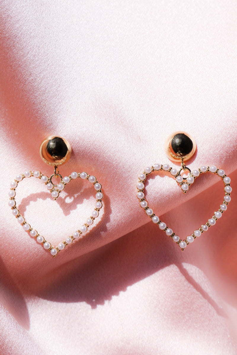 Heart Dangle Earrings with Lovely Pearls