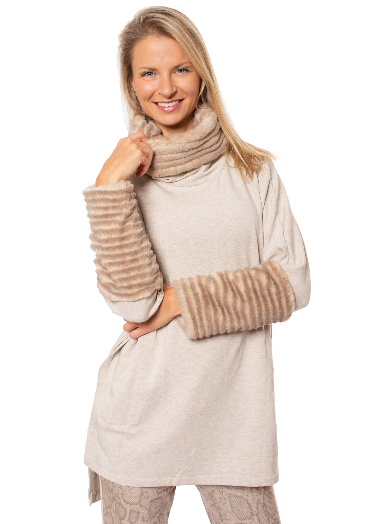 Capote - Tunic Sweatshirt W/Faux Cowl Neck And Cuffs W/Pockets (STELLA94, Oatmeal)