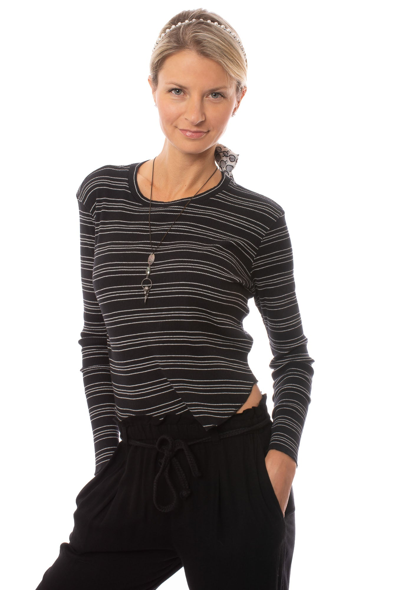 Bobi - Long Sleeve Crop T W/Stripes (579-41700, Black & White)