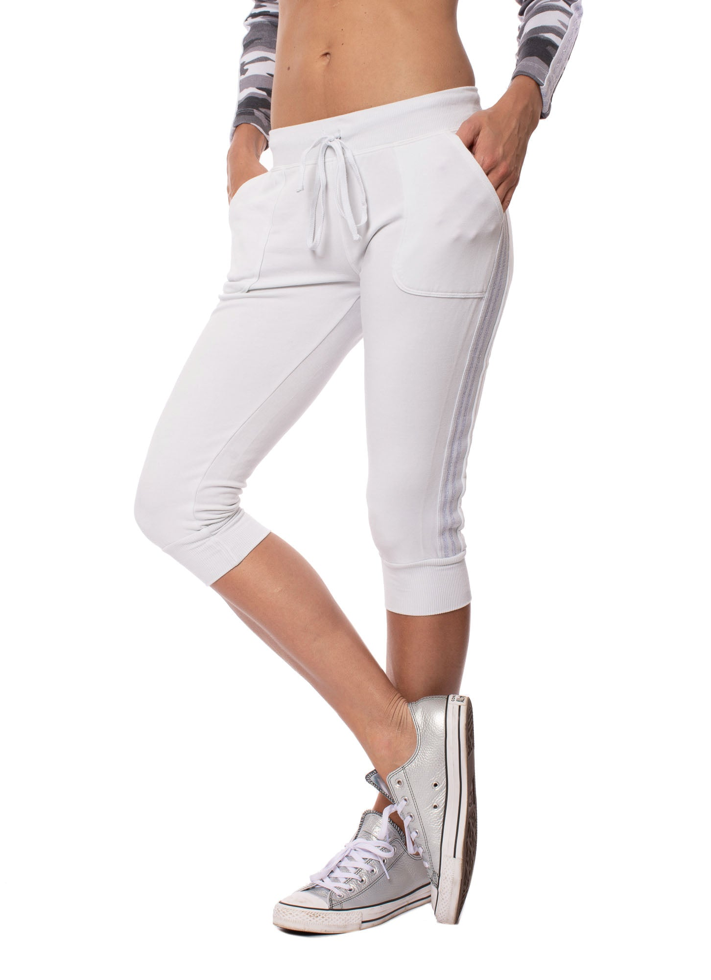 Hard Tail Forever - Fleece Capri Jogger W/Sparkle Stripes (CLO-16, Frost)