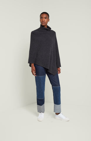 Travelling Rib Poncho In Charcoal