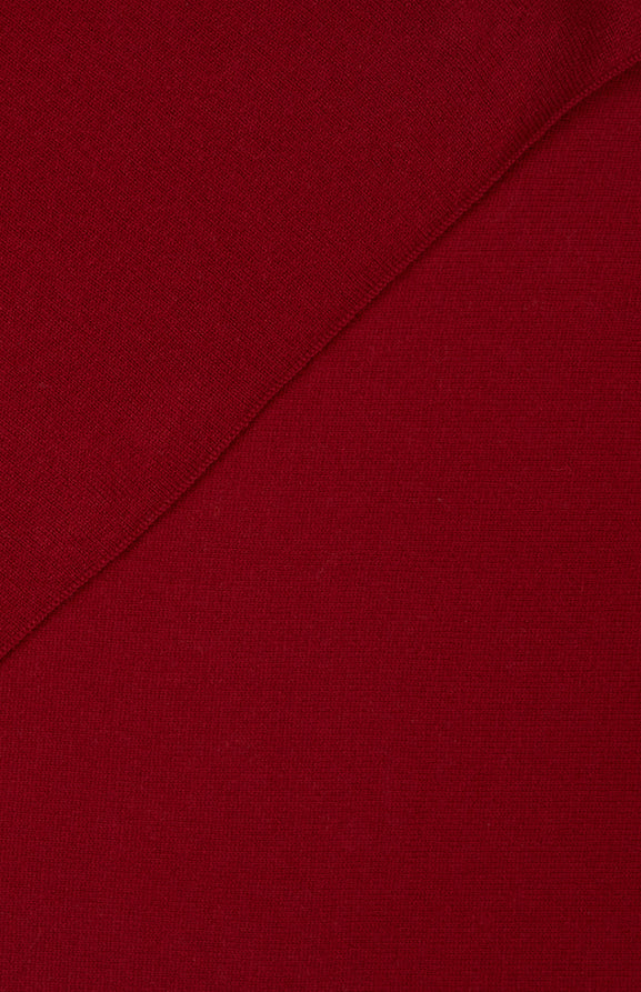 Classic Cashmere Scarf In Deep Red