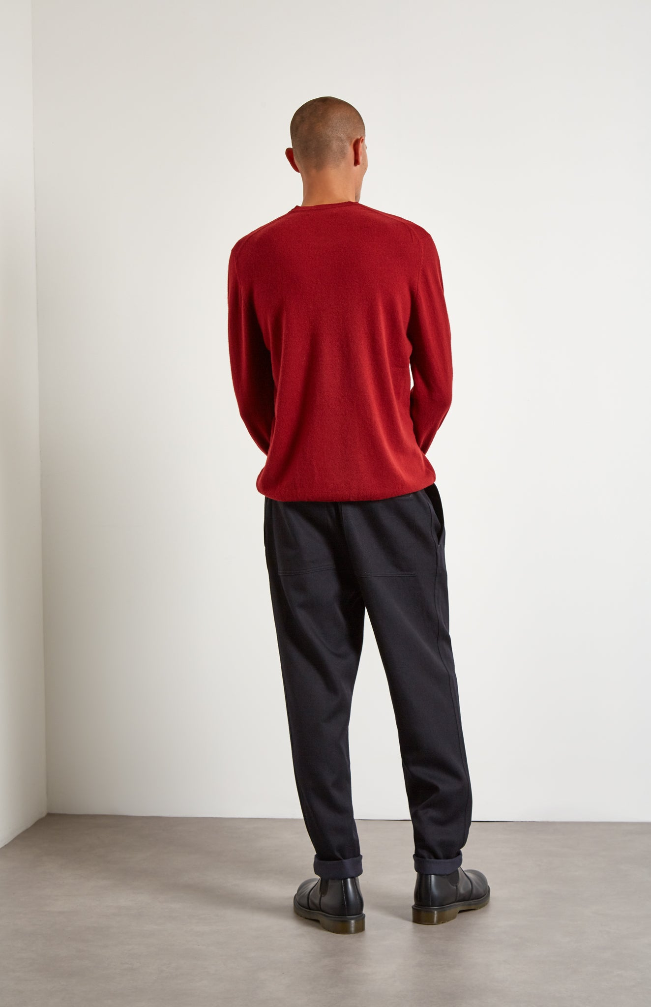 Men's Scottish Cashmere Round Neck Jumper In Deep Red