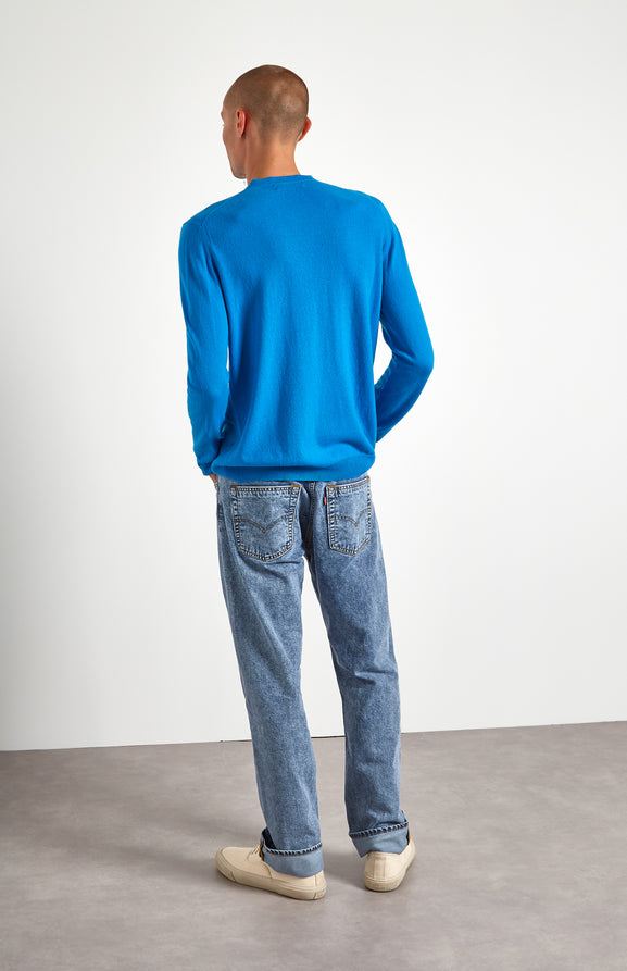 Men's Scottish Cashmere Round Neck Jumper In Flash Blue