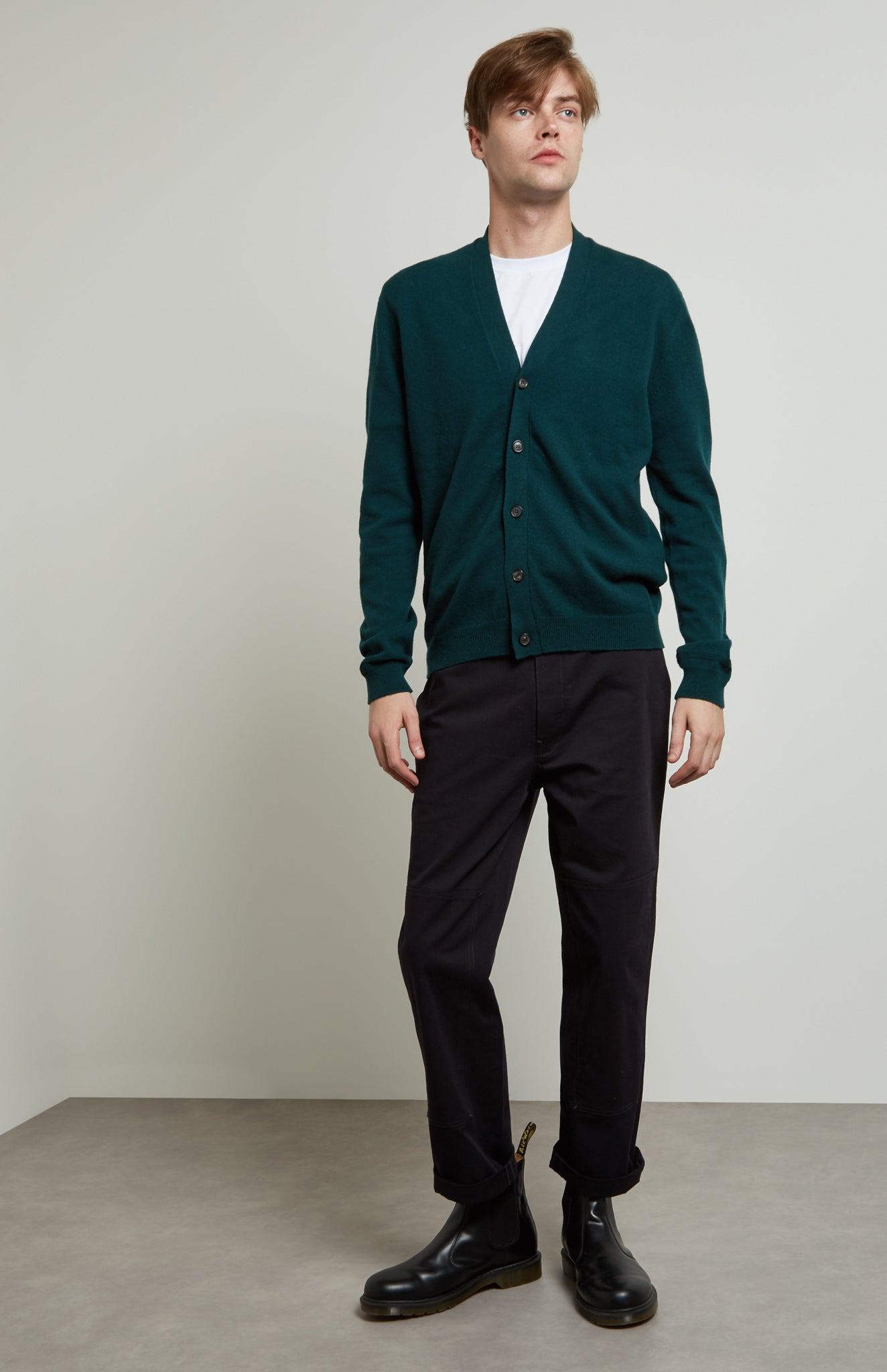 Men's Classic Cashmere Cardigan In Evergreen