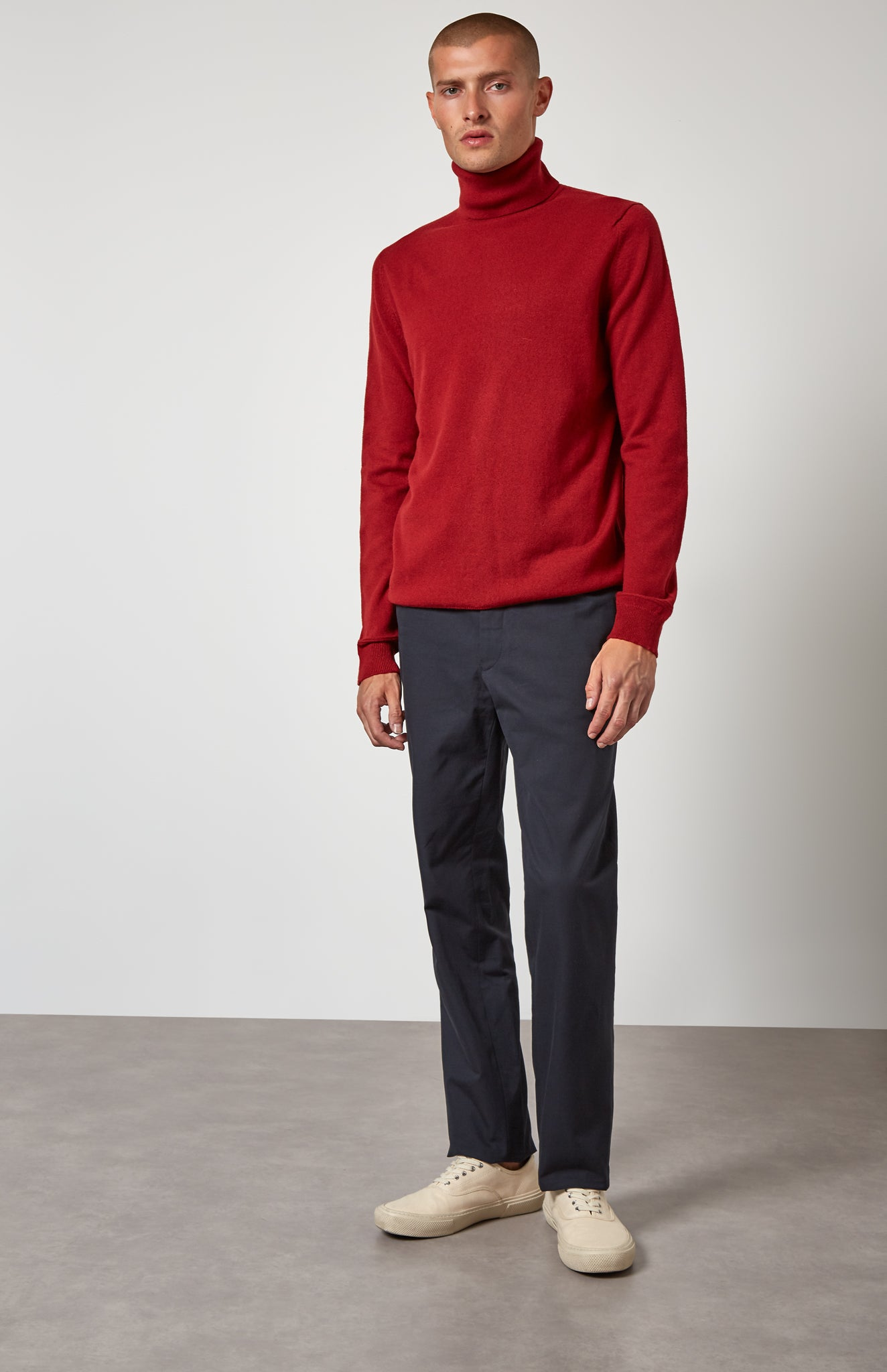 Roll Neck Cashmere Jumper In Deep Red