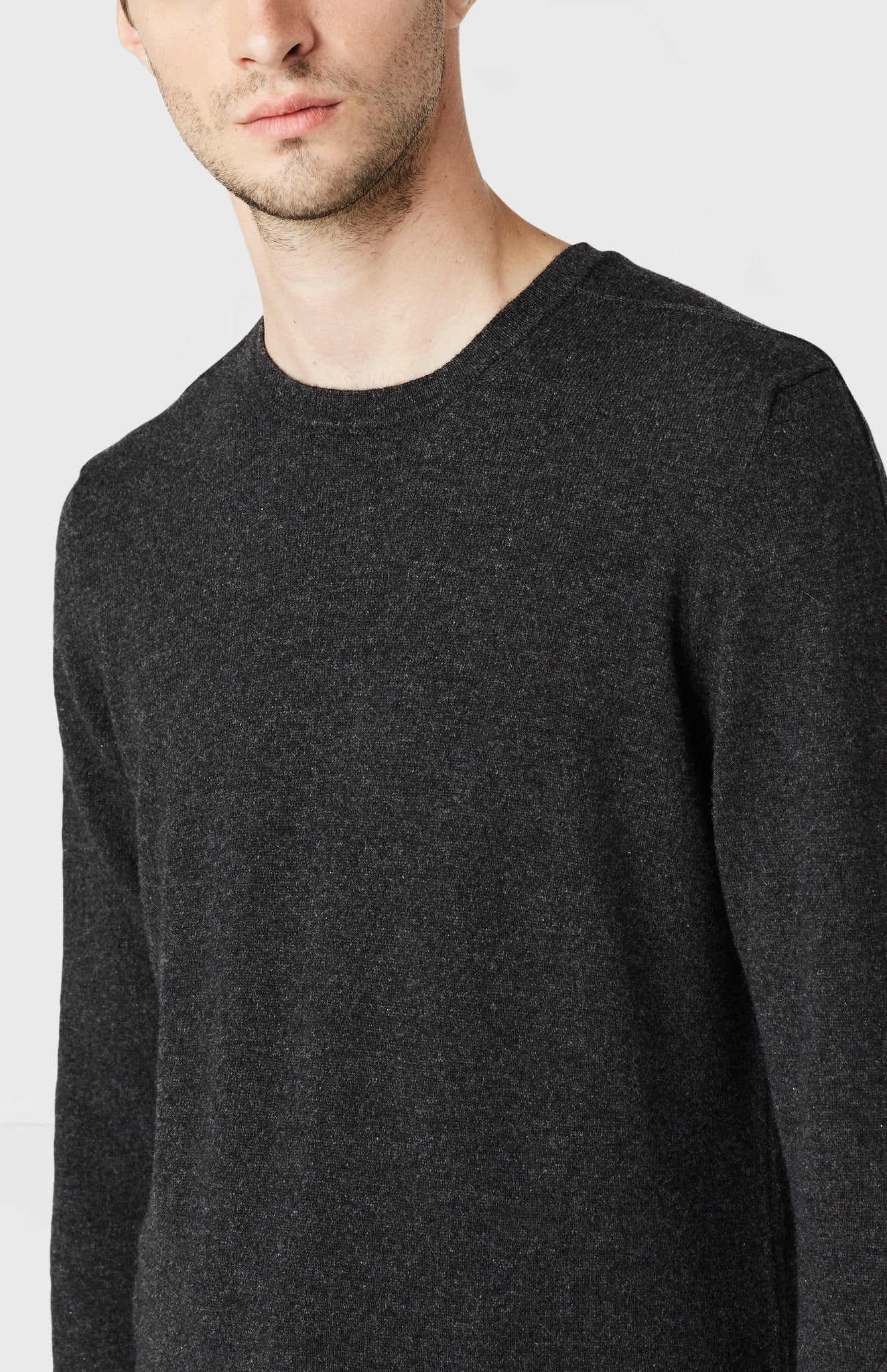 Round Neck Cashmere Jumper in Charcoal