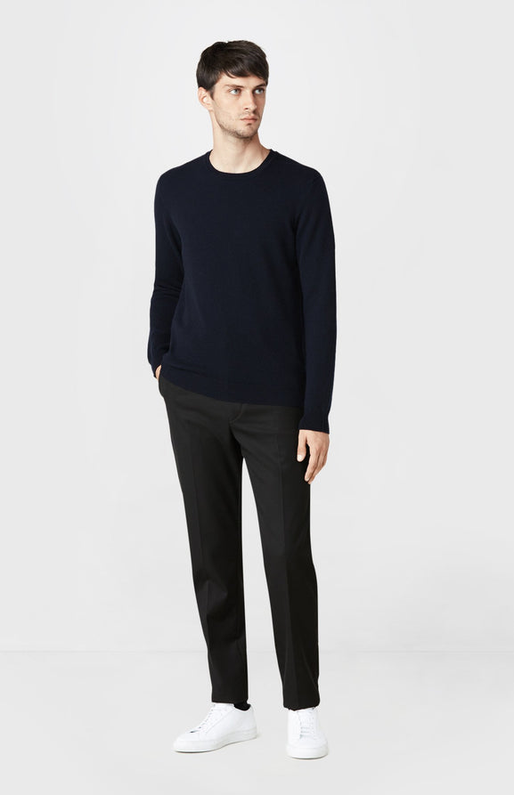 Round Neck Cashmere Jumper in Navy