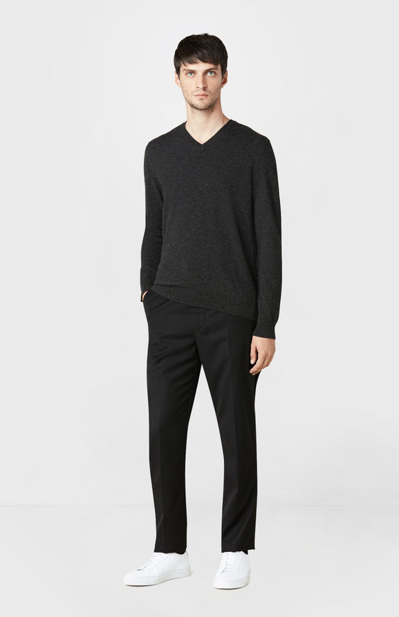 V-neck Cashmere Jumper in Charcoal