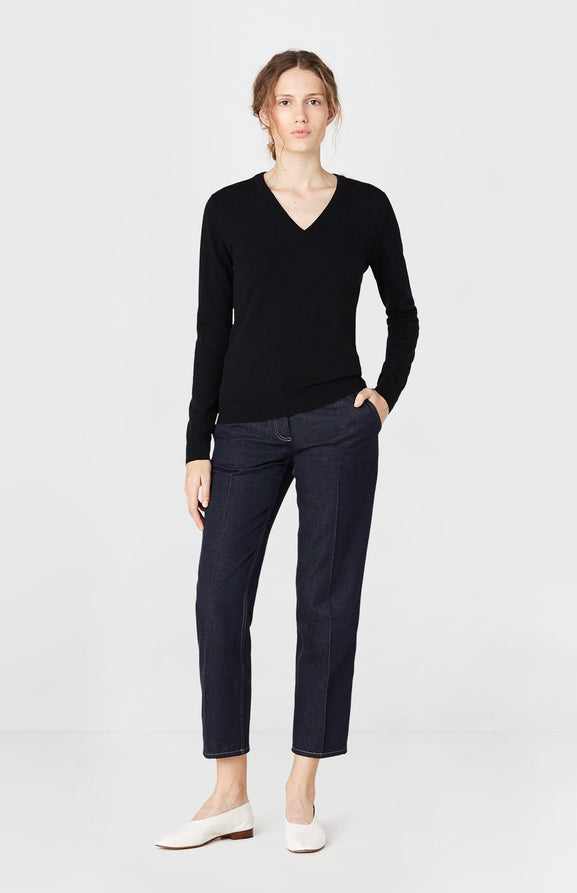 V-neck Cashmere Jumper in Black