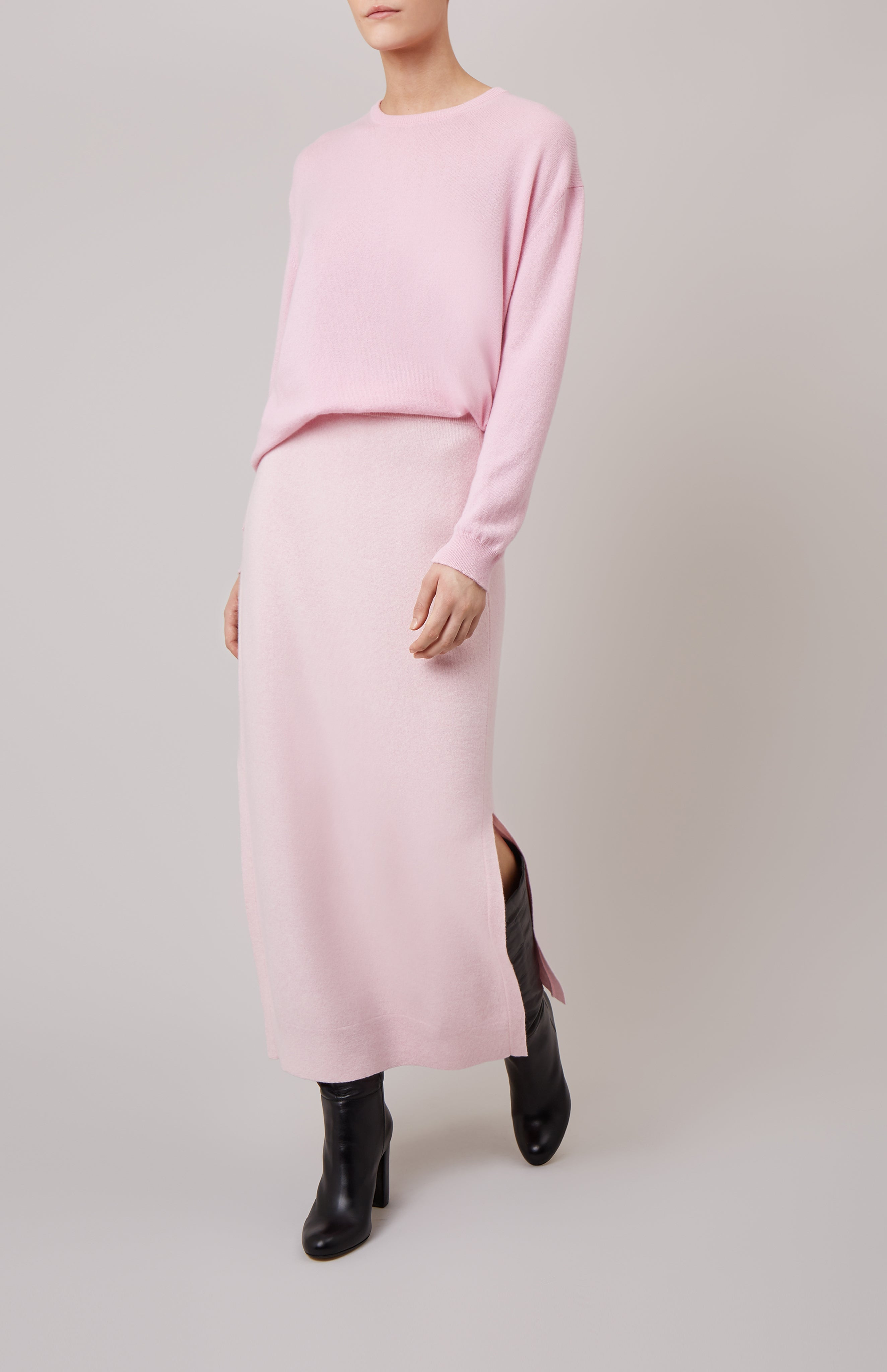 Round Neck Cashmere Jumper in Pink