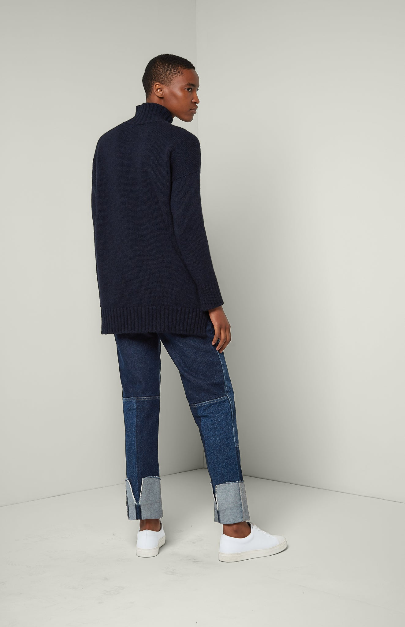 Cosy Cashmere Roll Neck Jumper In Midnight
