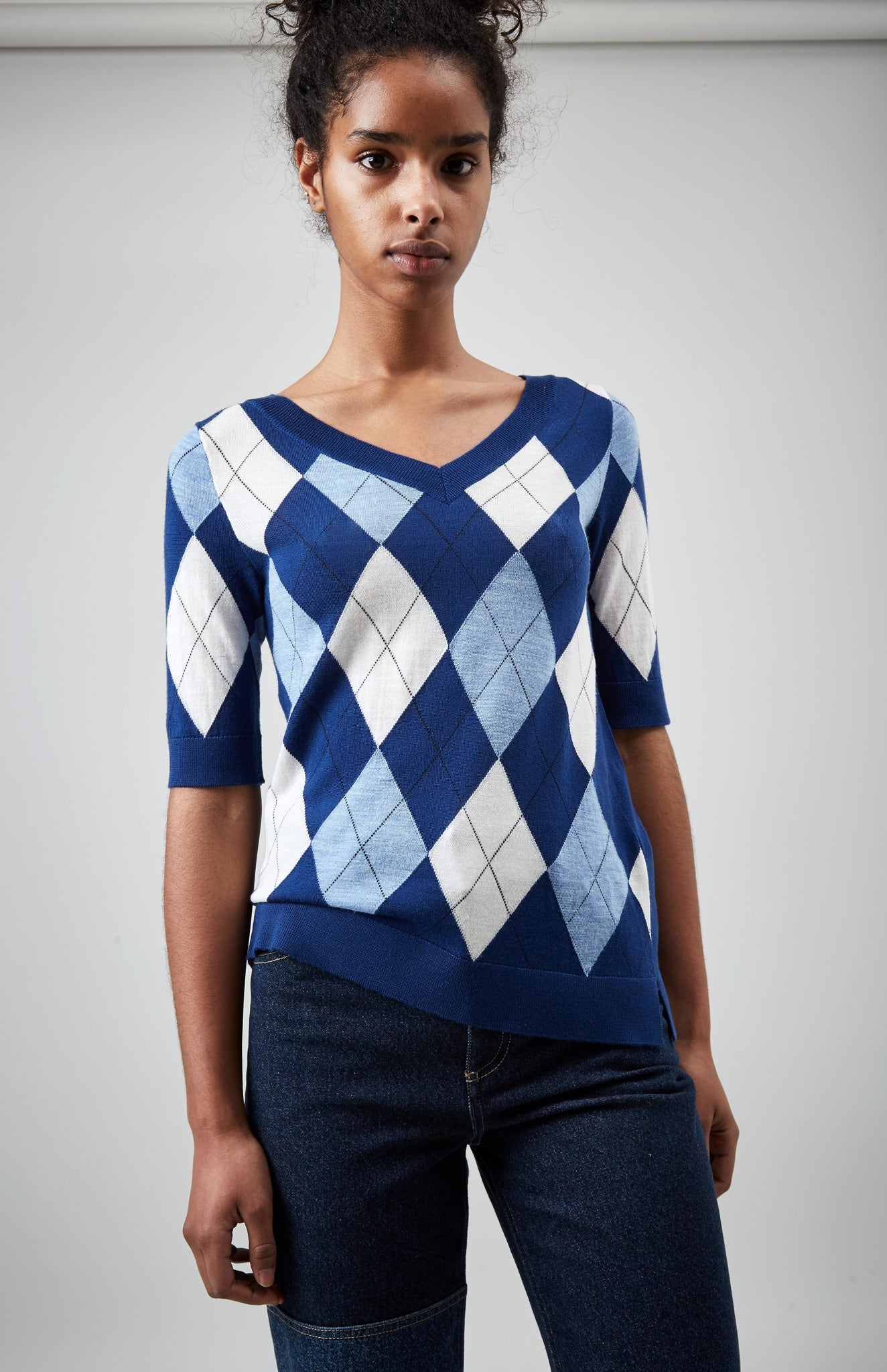 V Neck Argyle Intarsia Top In Blue Argyle