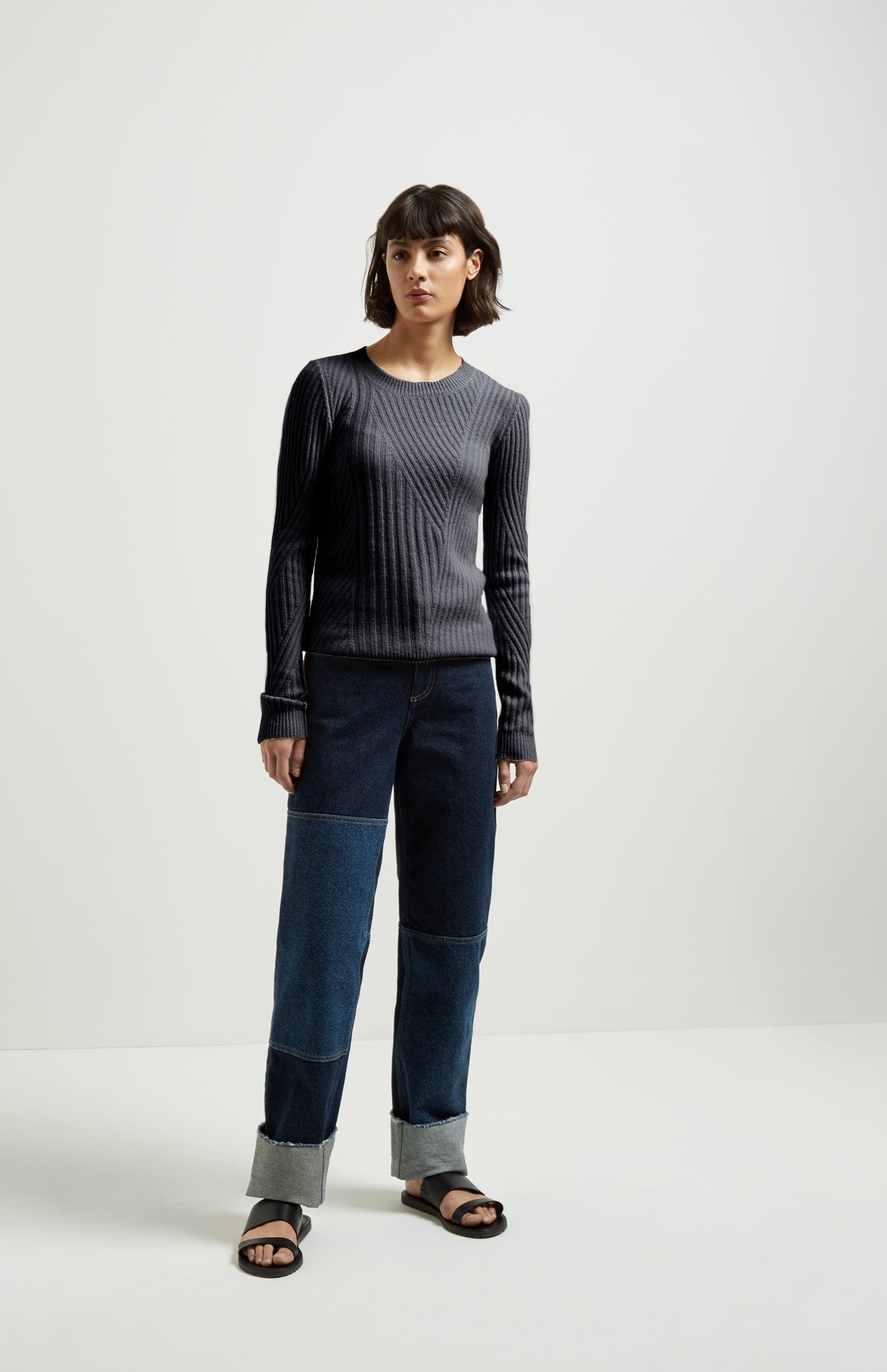 Fitted Travelling Rib Cashmere Jumper In Grey