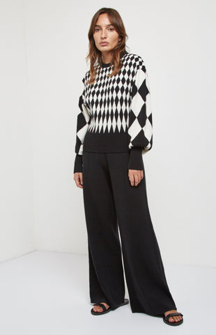 Scaled Diamond Intarsia Jumper In Cream/Black