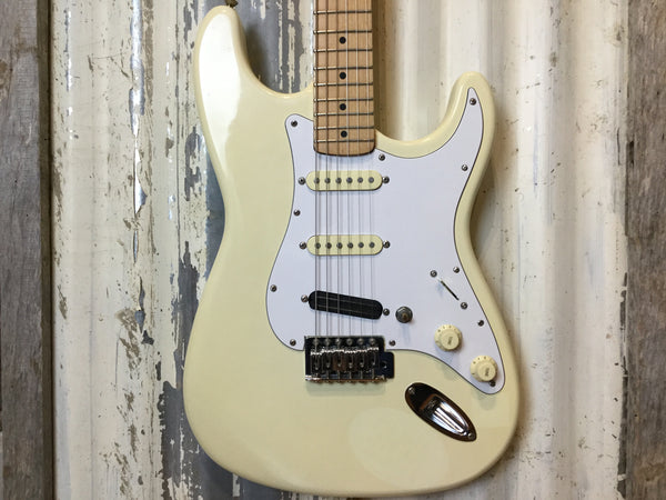 Squier MIK Stratocaster