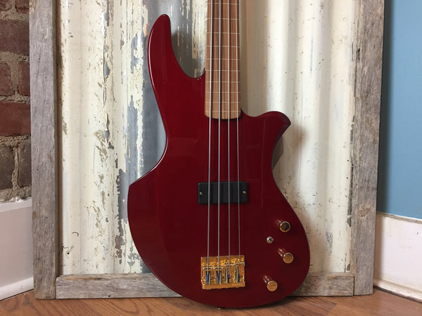Boutique Custom Fretless Bass
