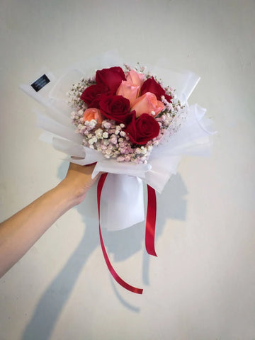 L'amore È Pazzo Flower Bouquet (Johor Bahru Delivery only)